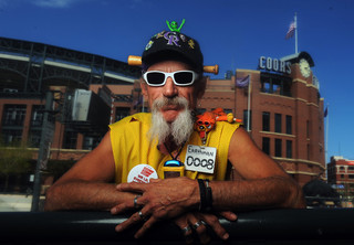 Beloved Coors Field beer vendor battling cancer