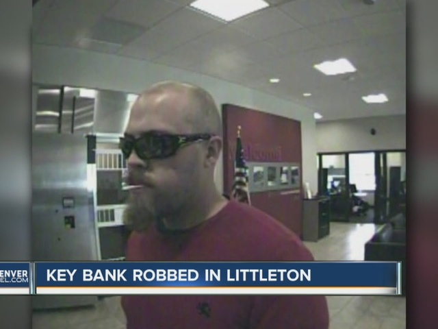 Man enjoys lollipop amid bank robbery