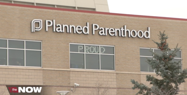 3 injured after truck runs into Lincoln Planned Parenthood