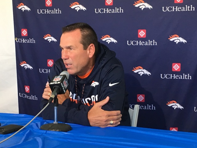 Broncos coach Gary Kubiak likely to step down amid health concerns