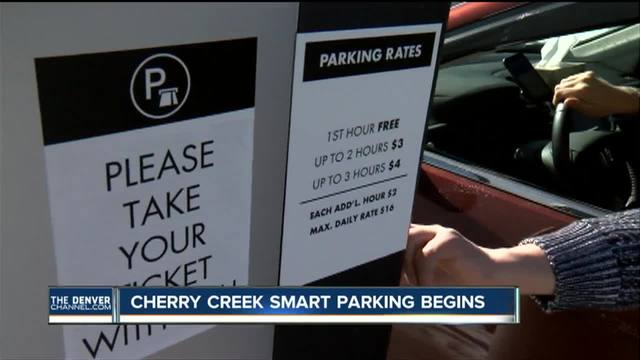 Cherry Creek Mall begins charging for parking