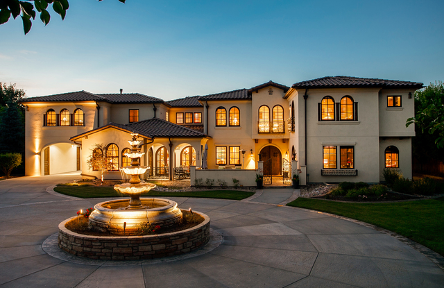 Colorado dream homes own this mediterranean style villa for Colorado dream home