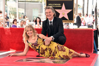 Goldie Hawn, Kurt Russell get Walk of Fame stars
