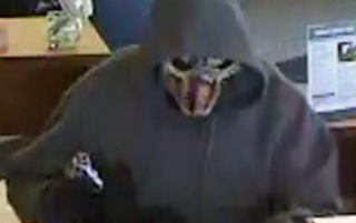 Masked bandit robs Wheat Ridge bank