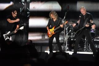 Photos: Metallica rocks Mile High