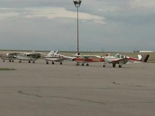 2 injured in plane crash at Front Range Airport
