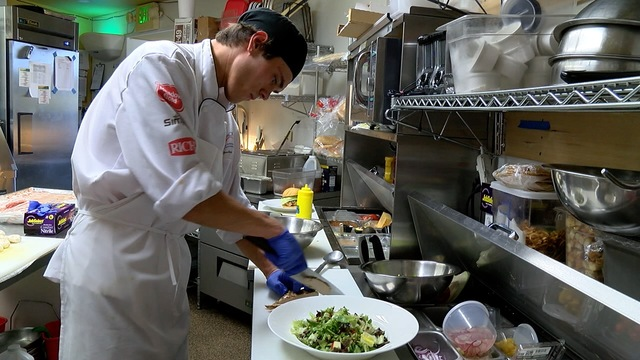 Colorado culinary students earn while they learn in apprenticeship program