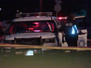2 gunshot victims found in car in Denver