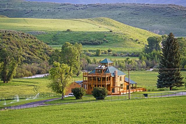 Colorado Dream Homes Sprawling 45m Ranch Offers Wide
