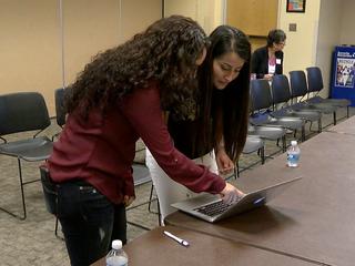 Volunteers, attorneys help DACA recipients