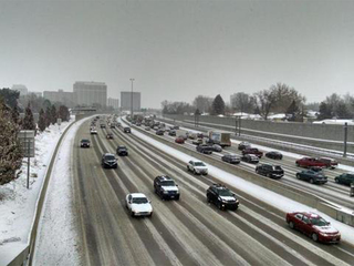 How to stay safe during a slushy commute