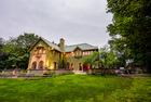 $5.9M home for sale next to Botanic Gardens