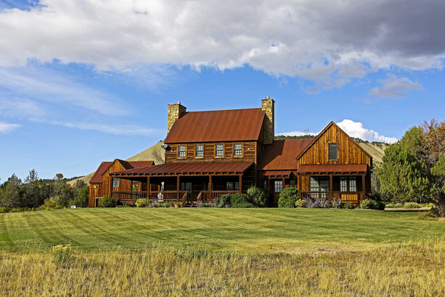 Colorado Dream Homes Raise Horses Cattle At This 23m