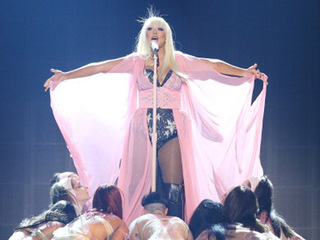 Christina Aguilera coming to Denver this October