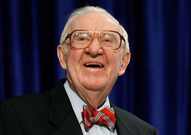 Former Justice John Paul Stevens calls for repeal of the Second Amendment