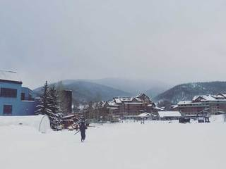 Snow closes, cuts access to ski resorts