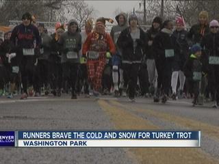 Hundreds brave weather for 42nd 'Turkey Trot'
