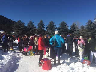 Hundreds take polar plunge at Evergreen Lake