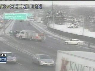 Multiple crashes close I-25 and I-70 in Denver