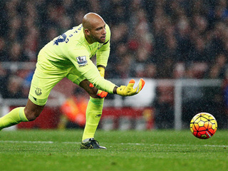 Goalkeeper Tim Howard signs with Colorado Rapids