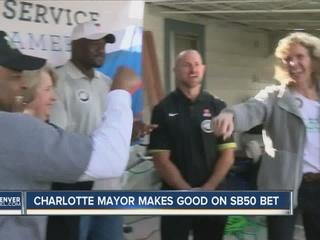 Charlotte mayor fulfills Super Bowl 50 bet