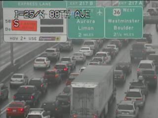 Multiple vehicle crash on SB I-25 near 84th Ave.