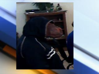 Man in horse mask holds up Boulder poker game