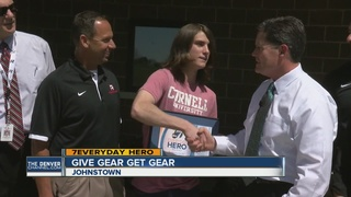 Johnstown teen gives away baseball gear