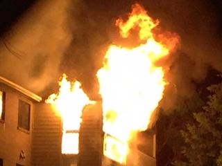 Woman dies in apartment fire in Aurora