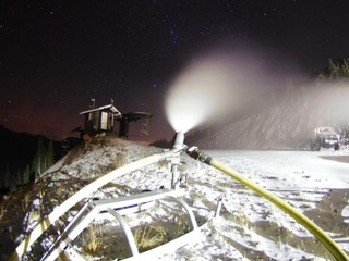 Snowmaking underway at Colorado ski areas