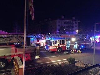 Fire damages high-rise apartment complex