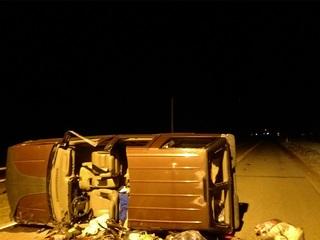 2 killed,1 hurt in Aurora rollover crash