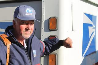 Boulder postal carrier credited with saving life