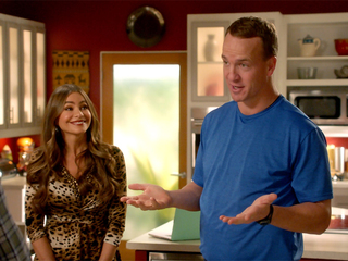 Peyton Manning to guest star on Modern Family