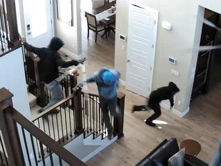 VIDEO: Would-be burglars spooked by loud alarm