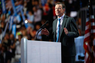 Hickenlooper urges bipartisan tax reform changes