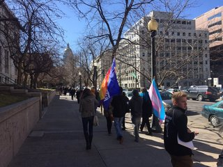 Gay rights advocates push for ban on therapy