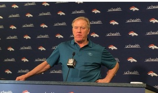 Elway stands pat on QB, not looking to trade