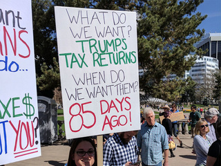 Thousands demand to see Trump's tax returns