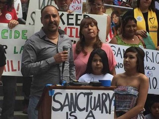Undocumented Aurora father released by ICE