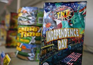 Aurora lifts ban on fireworks