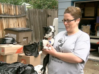7Everyday Hero volunteers with dog rescue