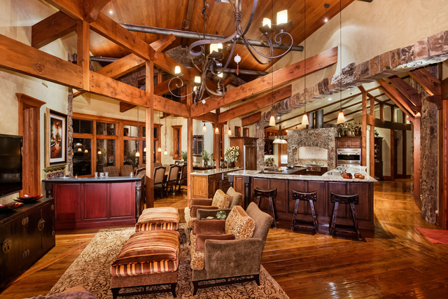 Colorado Dream Homes 13 5m Aspen Home Teeming With Wood
