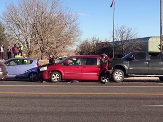 1 dead in Lakewood car crash