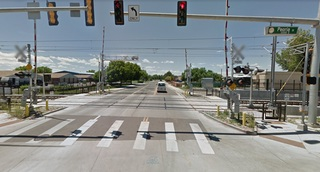 Why don't light rail lights match the crossing?