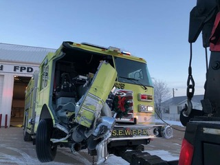 4 firefighters injured in I-76 crash