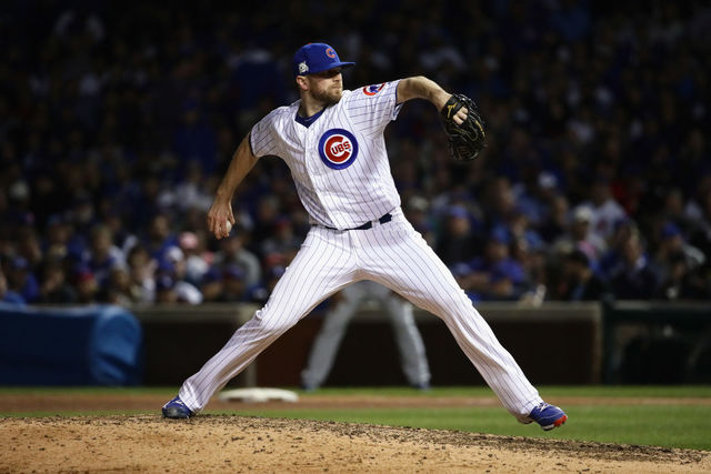 Closer Wade Davis reaches three-year deal with Rockies
