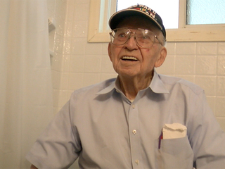 Colorado WWII veteran gets new shower for free