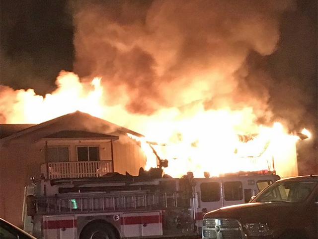 Fire engulfs hotel in Limon