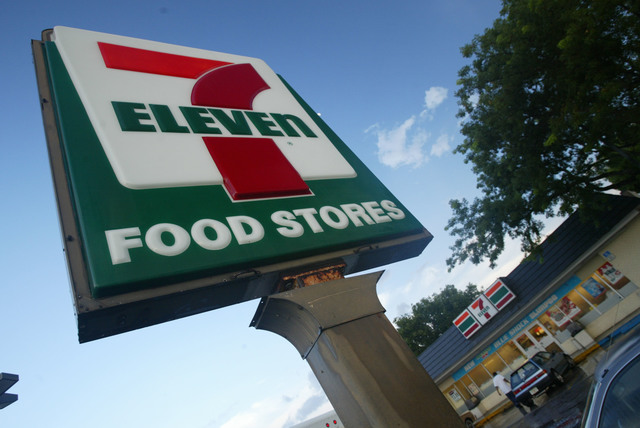 Which 7-Elevens in Pa. were raided by ICE this week?